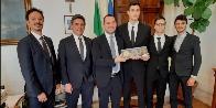 Roma, l'atleta in prova Simone Alessio ricevuto a Palazzo Chigi dall'On. Vincenzo Spadafora, Ministro per le Politiche giovanili e lo Sport.