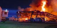 Firenze, fiamme in uno stabilimento industriale
