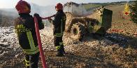 Ancona, brucia un mezzo agricolo a Jesi