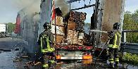 Udine, semirimorchio in fiamme sulla A23