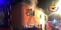 Prato, incendio abitazione