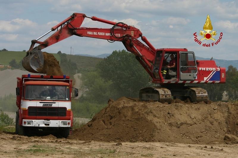 G.O.S vigili del fuoco reparto macchine operatrici industriali e movimento terra ReturnImgNews